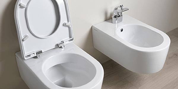 Perfekte Badreinigung: Randloses WC von Flaminia Schnell, einfach und hygienisch